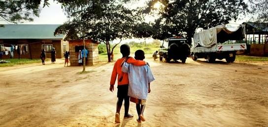 Африкадағы балалар неліктен тез жетіледі?